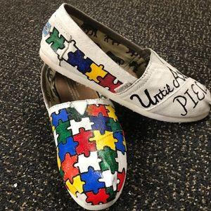 bb983eb19b1d98 Jps Customs Shoes - Custom made Autism Awareness Toms
